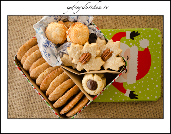 Christmas Gift Idea ~ Assorted Cookie Tins